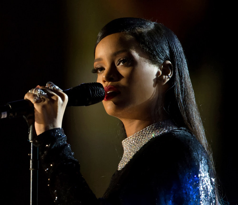 Rihanna Sues Dad, Claims He Exploits Her Brand