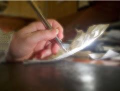 la main qui écrit