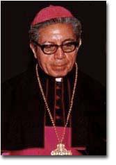 Biskup Moises Carmona