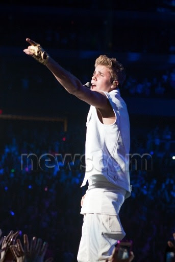 Justin Bieber Catching Feelings Believe Tour