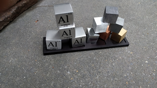PT Cubes - Elements from the Periodic Table on your Desk
