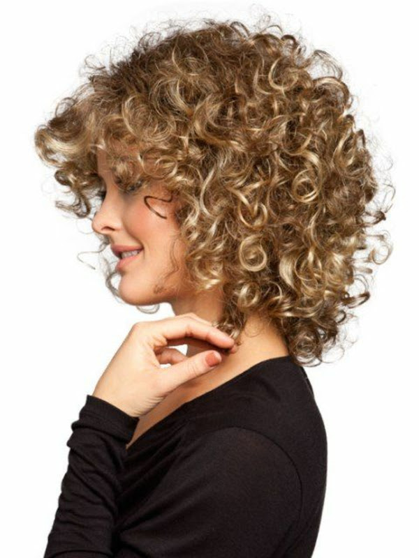 Coole Locken Frisuren Frauen Haarschnitte Beliebt In Europa