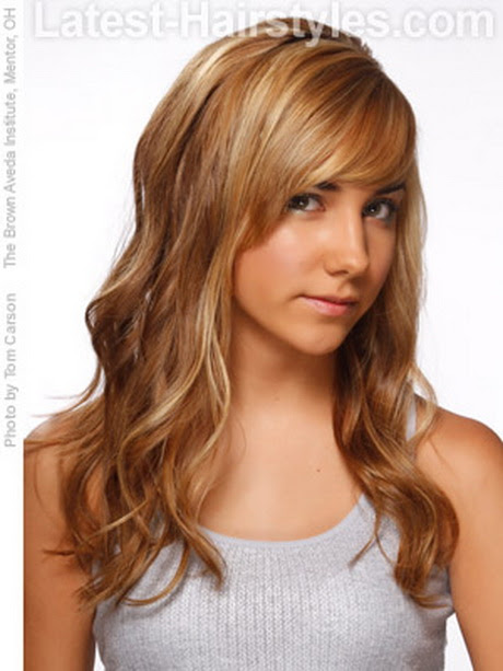 Easy hairstyles for long wavy hair
