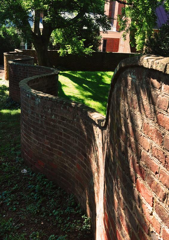 Serpentine Walls (4)