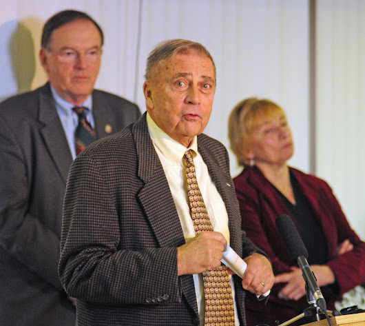 Maine's attorney general, public safety chief say worsening opiate crisis threatens state - The Portland Press Herald / Maine Sunday Telegram