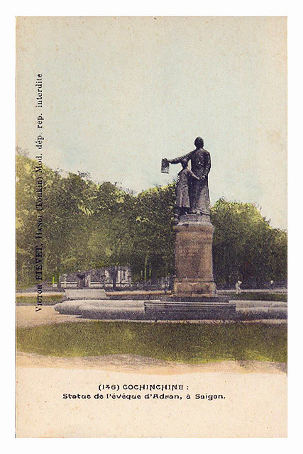 Vietnam - Conchinchine - Statue de l´Evêque d´Adran, à Saigon