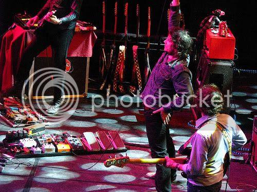 Wilco @ L'Auditori (Barcelona, June 4 2009): photo by Michael Ligon