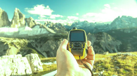 5 Best GPS Trackers for Mountain Climbers