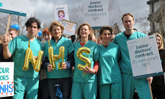 Green Wing cast join latest junior doctors' strike | Society | The Guardian