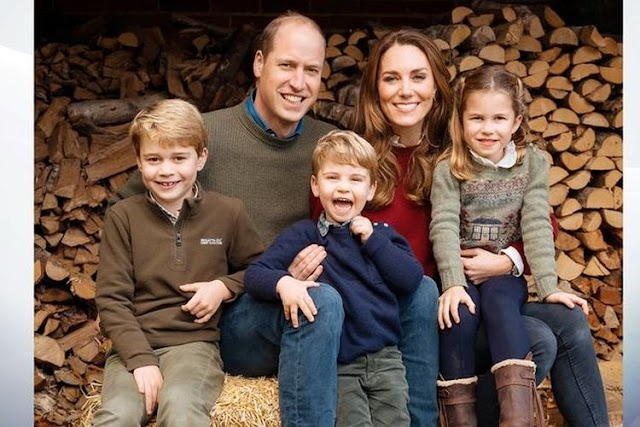 Keluarga Pangeran William Bergaya Kasual Untuk Foto Kartu Natal