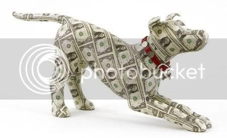 Escultura feita com notas de dolar
