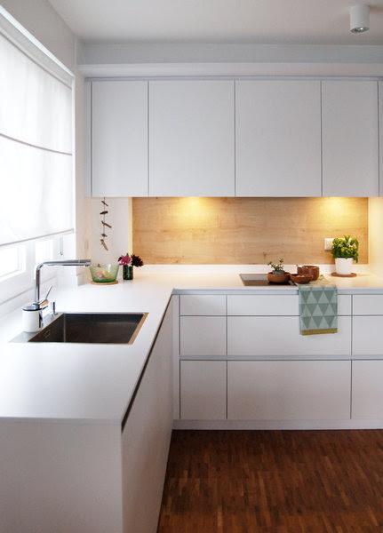 küchen wand spritzschutz  farbe in der küche  30 ideen