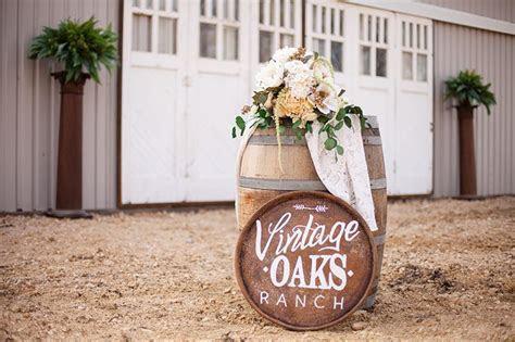 Outdoor wedding venue in Waco, TX. Vintage Oaks Ranch is