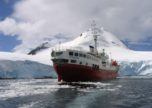 Chilling cruise in Antarctica