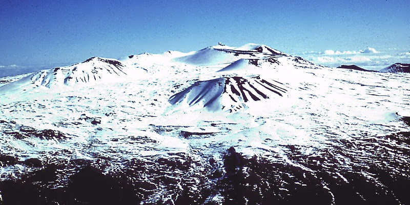 File:Mauna Kea Summit in Winter.jpg