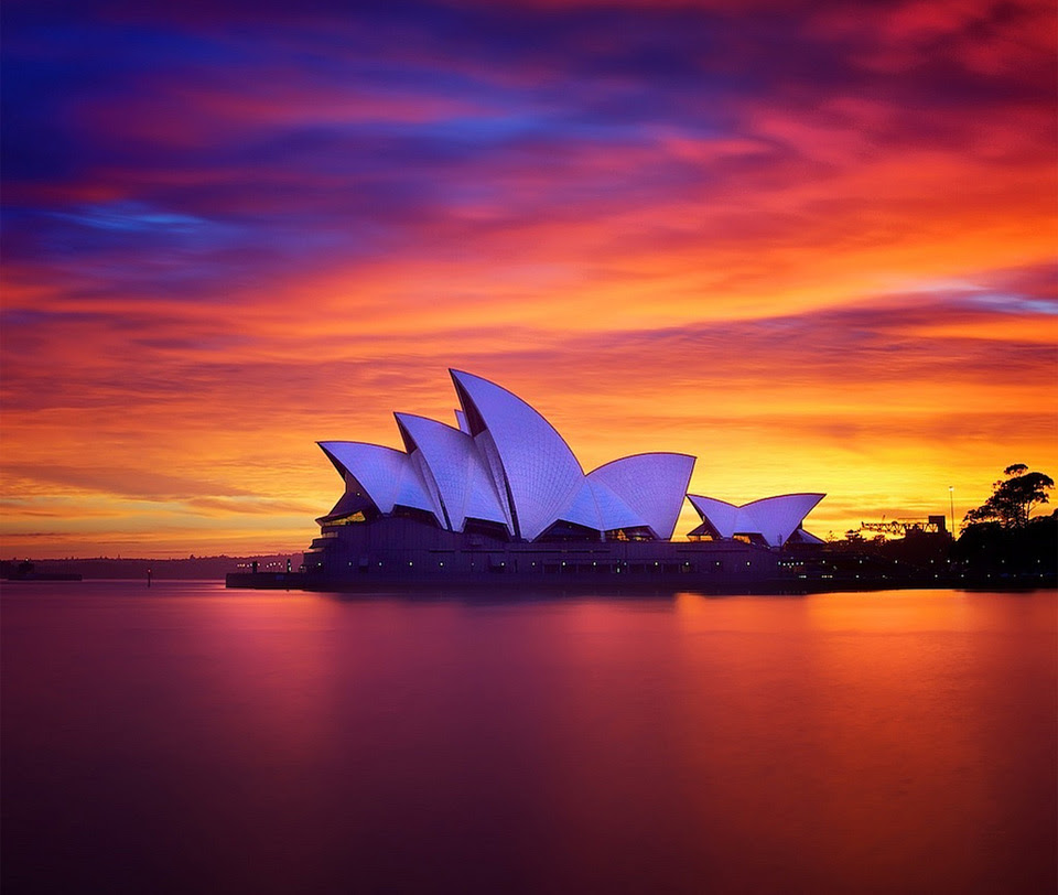 http://onebigphoto.com/uploads/2013/07/breathtaking-sunset-in-sydney.jpg