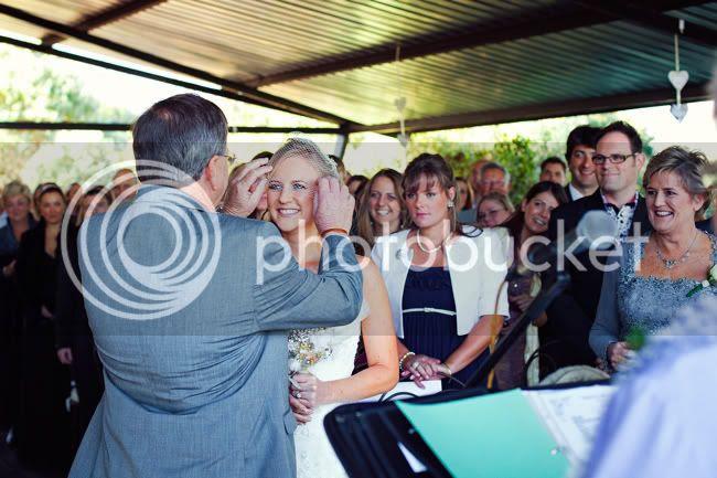 http://i892.photobucket.com/albums/ac125/lovemademedoit/PARRY_Ceremony_103.jpg?t=1319741466