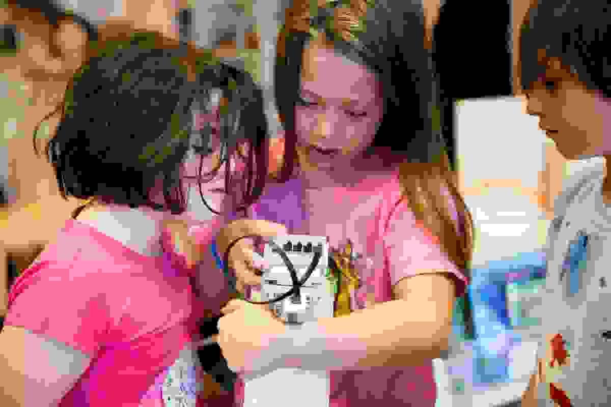 blue-school-new-york-new-york-the-school-fusing-compassion-and-creativity.jpg