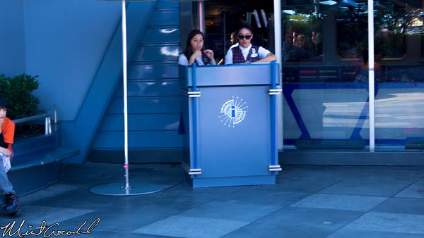 Disneyland Resort, Disneyland, Tomorrowland, DAS, Podium