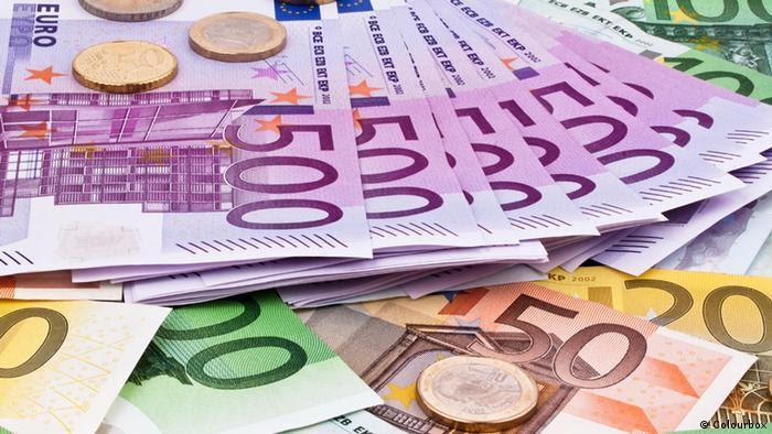 Symbolbild Euroscheine Münzen (Colourbox)