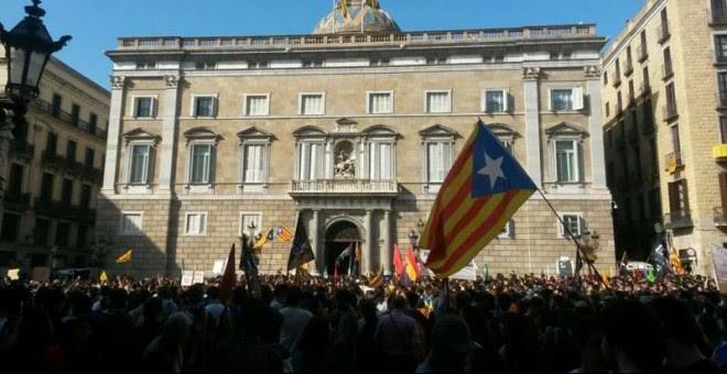 Concentración ante el Palau de la Generalitat.