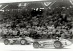 1960: Jim Rathmann e Rodger Ward travaram um duelo pela vitória durante as últimas 100 voltas. Ocorreram 14 trocas de liderança. Quando os pneus de Ward se desgastaram, Rathmann conquistou a liderança definitiva na volta 197.