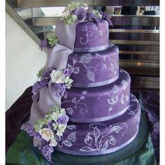 Black and purple birthday cake. El manjar peruano by