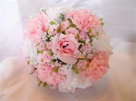 15 Flowers in Season in December for Wedding   EverAfterGuide