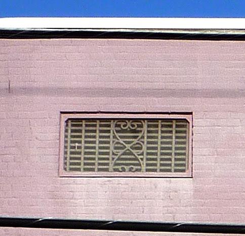 P1010031-2010-03-06-Blair-Rutland-Building-1925-215-Church-Decatur-Grill-Detail