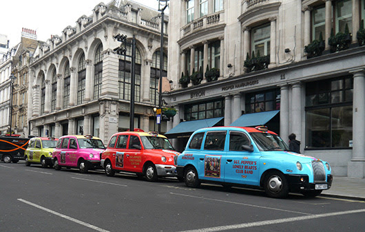 Sgt-Pepper-Taxis