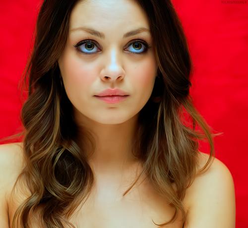 Mila Kunis Beautiful Hot Photoshoot of 2013