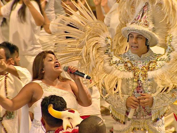 Márcia Siqueira cantou Romaria  (Foto: Reprodução/Rede Amazônica)