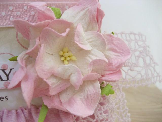 TRR #19 Gardenia Lace Detail