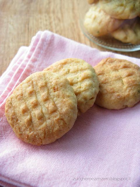 Biscotti all'arancia e rosmarino
