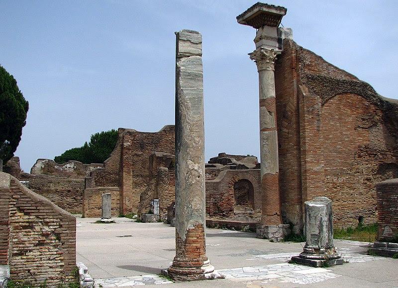 File:Ostia antica-11.jpg