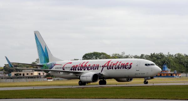 La nave Boeing 737-800 de Caribbean Airlines, la aerolínea nacional de Trinidad y Tobago, a su llegada al Aeropuerto Internacional José Martí, Cuba, en su vuelo inaugural, el 13 de enero de 2018. ACN FOTO/Omara GARCÍA MEDEROS