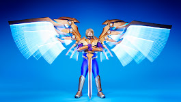 Video: Cosplayer creates enormous mechanical wings inspired by League of Legends