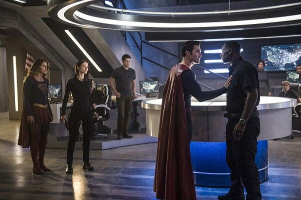 supergirl-season-2-superman-tyler-hoechlin-3