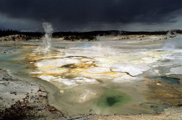 Lagos vulcânicos de Yellowstone em Utah, nos Estados Unidos (Foto: Only World/Only France/AFP)