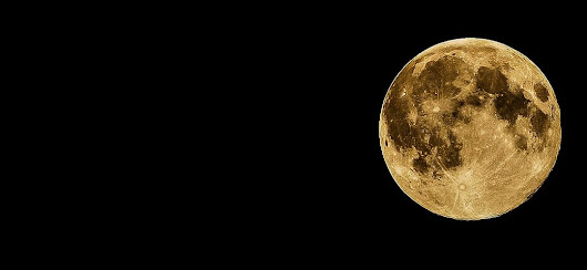 Should your period land on the full moon or the new moon to be in sync with nature? - Yoga Goddess