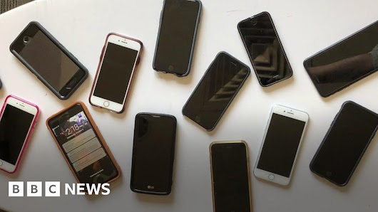 US phone users get national message