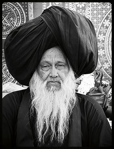 Peersab Syed Ali Masoomi Madari Aqsan ..Makanpur by firoze shakir photographerno1