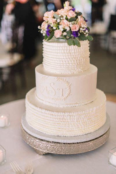 30 Delicate White Wedding Cakes   Deer Pearl Flowers