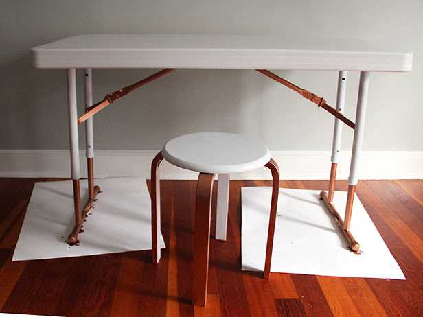 How to Paint a Plastic Folding Table