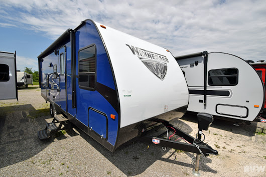 New 2018 Minnie 2200SS Travel Trailer by Winnebago at RVWholesalers.com