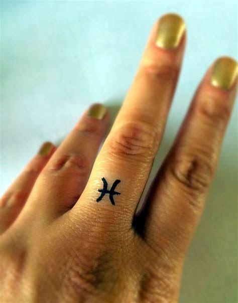cute finger tattoo ideas designs fashion enzyme