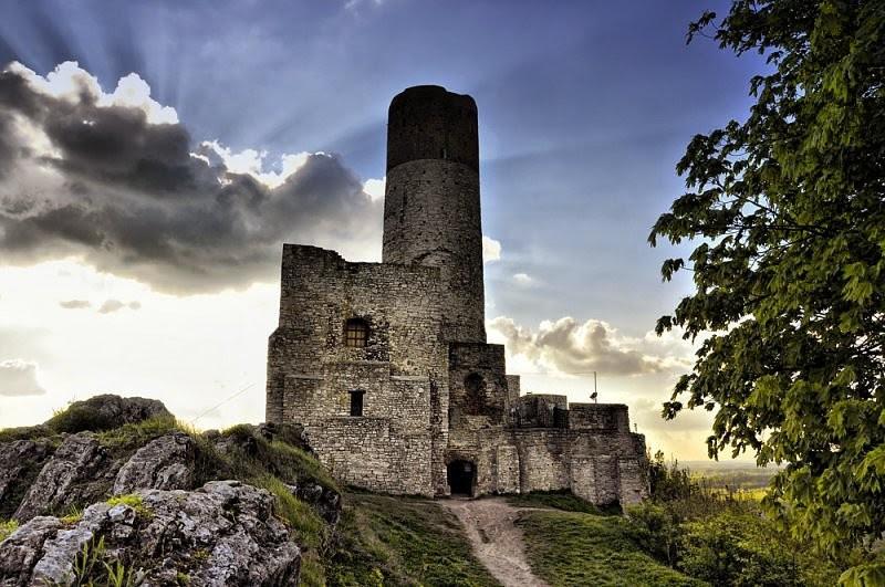 Хенцинский замок, Польша. Построен в 1306 году. европа, замки, история, средневековье