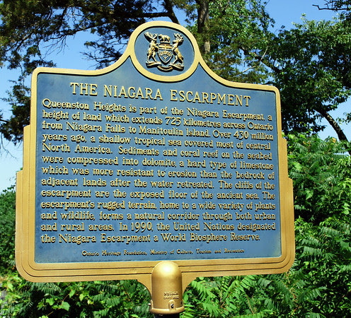 Marker for the Niagara Escarpment at Queenston Heights