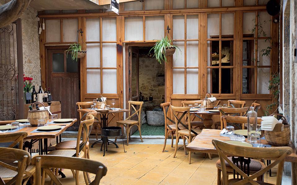 """Αποτέλεσμα εικόνας για εστιατόριο """"Πεσκέσι"""" στην Κρήτη"""