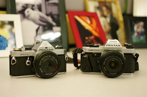 pentax da 21mm f/3.2 limited, pentax da 40mm f/2.8 limited, mx, superprogram